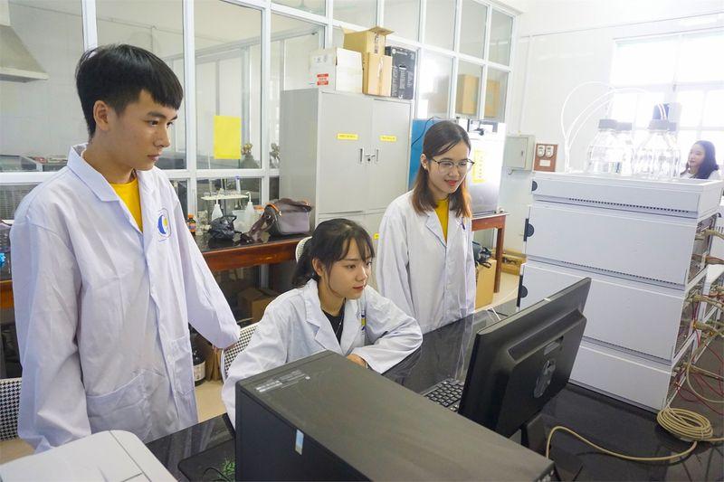 Điểm chuẩn ngành công nghệ kỹ thuật hóa học