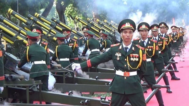 Trường Sĩ quan Phòng hoá duyệt binh