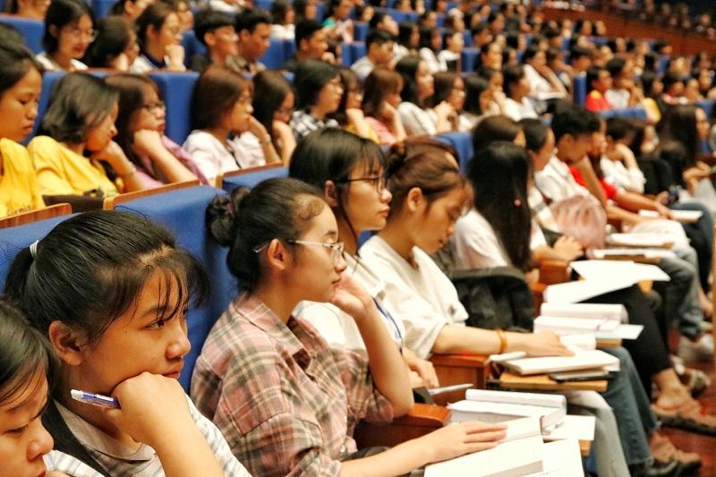 Sinh viên có nhiều lựa chọn với đa dạng các trường cao đẳng