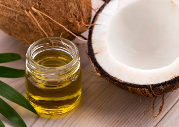 Tuyệt kỹ dùng dầu dừa trị mẩn ngứa ngáy khó chịu