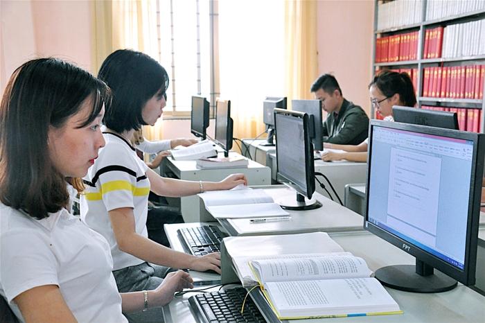 Điểm chuẩn ngành sư phạm tin học
