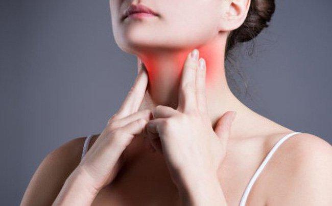 Các phương pháp điều trị bệnh sùi mào gà ở họng là gì?