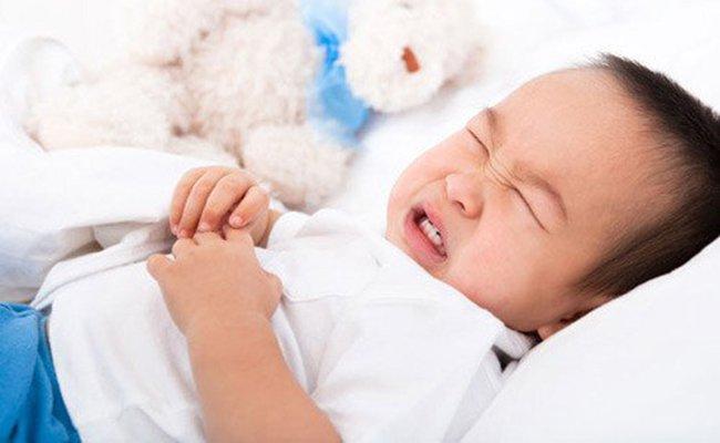 Các triệu chứng của u tế bào mầm ở trẻ em là gì?
