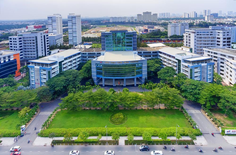 Chương trình chất lượng cao, giảng dạy bằng tiếng Anh - Việt